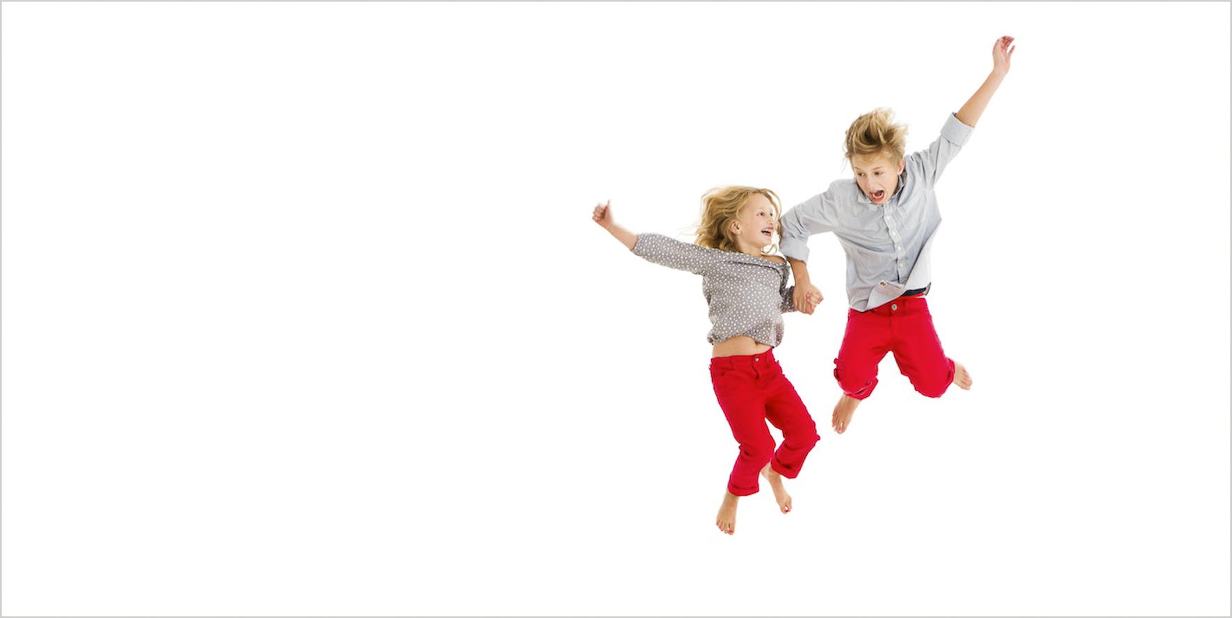 Kinderfotografie Sprungbild ungezwungen
